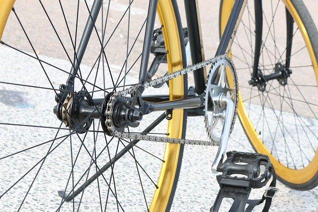repair-bicycle-chain